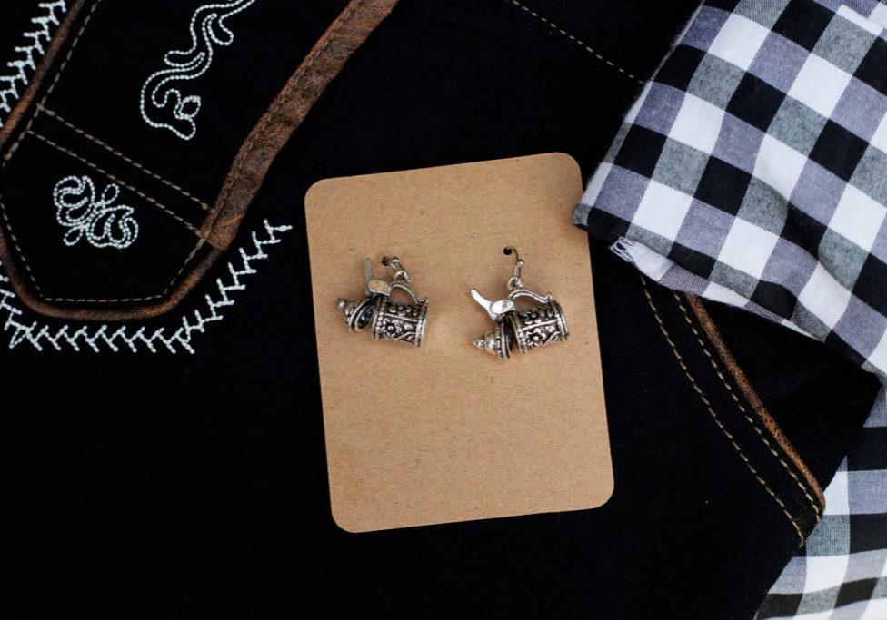Bier stein earring on black_1200x800